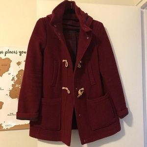 Taggel coat in maroon with hood